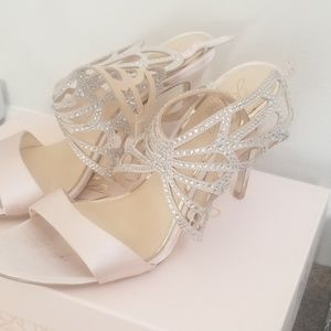 Shoes - Womens heels